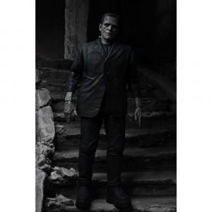 Ultimate Frankenstein's Monster (Black & White) akció figura - Universal Monsters -